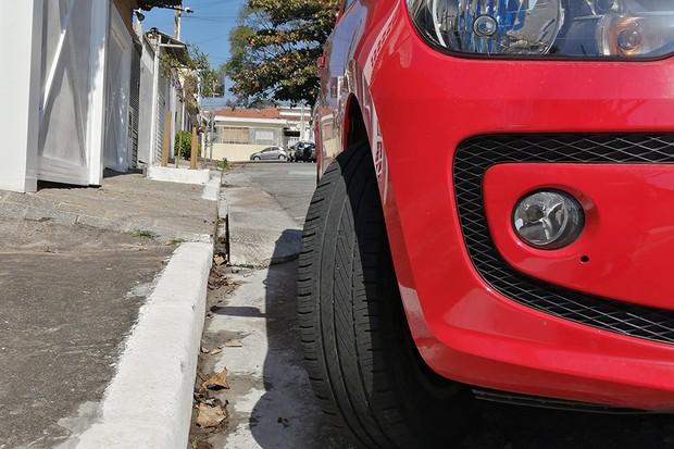 Não há problemas em parar com a roda virada, mas existem cuidados na hora de fazer isso (Foto: Renan Sousa)