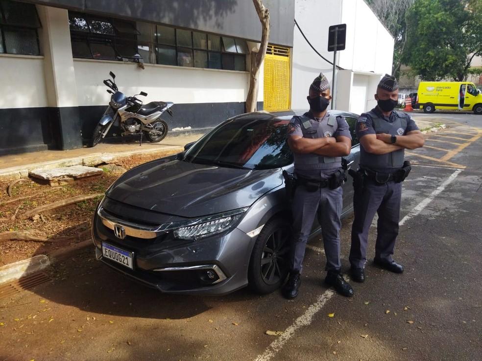 Suspeitos foram localizados em SP com o carro do professor morto em Jaú — Foto: Polícia Militar/Divulgação