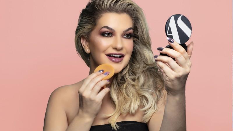 Alice Salazar e a maquiagem como negócio