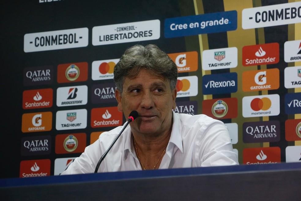 Renato Gaúcho na entrevista coletiva — Foto: Eduardo Moura / GloboEsporte.com