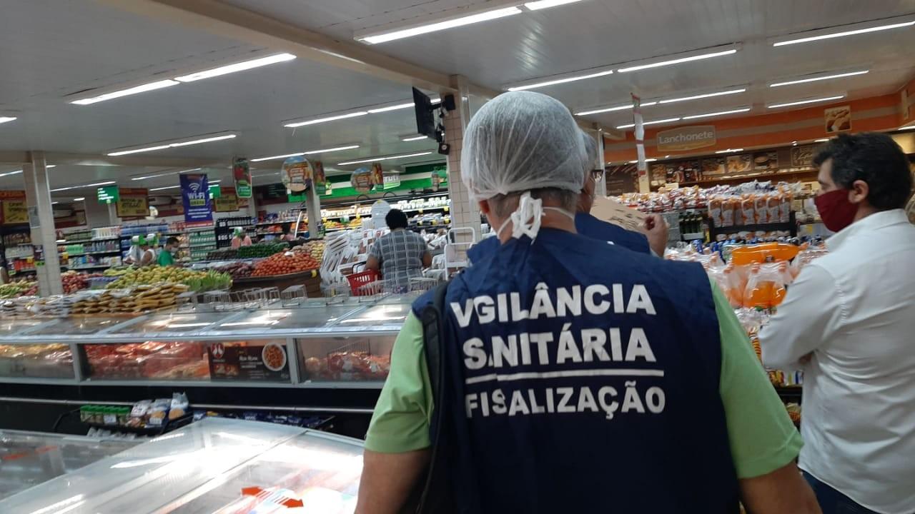 Vigilância sanitária fiscaliza adoção de medidas de combate à covid-19 no comércio de alimentos no Rio