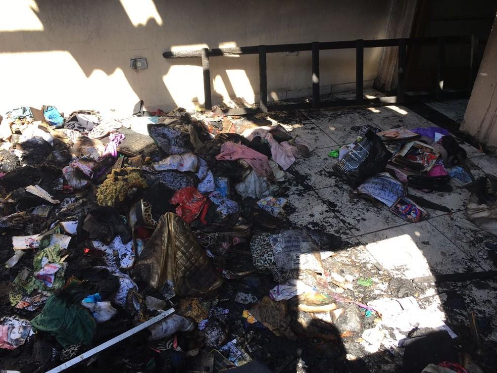 Incêndio foi na madrugada deste domingo (10), em Presidente Prudente (Foto: Valmir Custódio/G1)