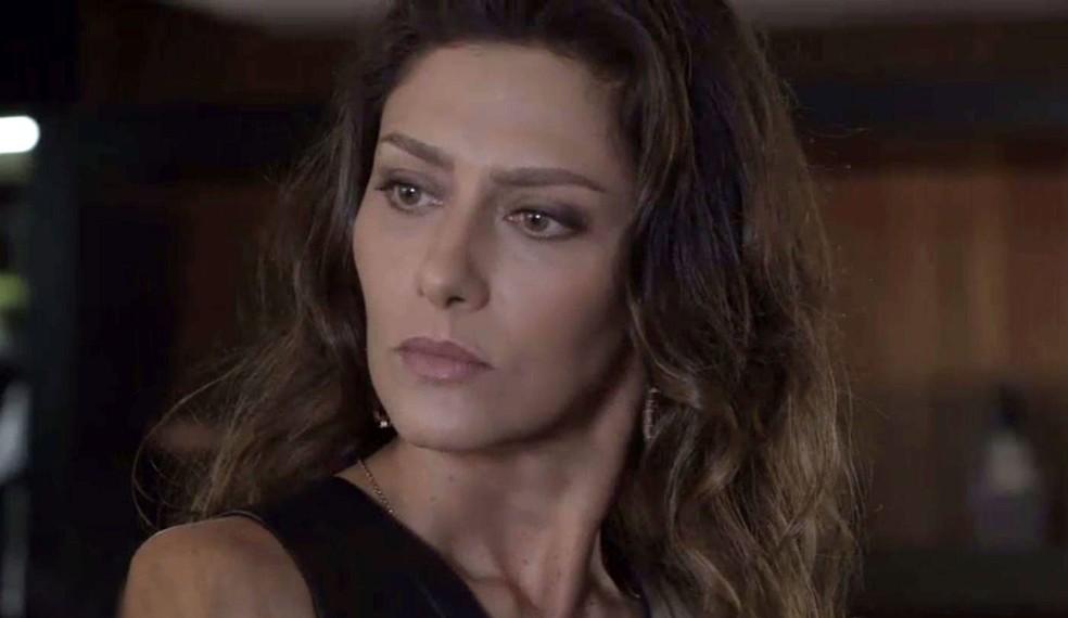 Joyce fica desnorteada ao ver Irene e Eugênio — Foto: TV Globo