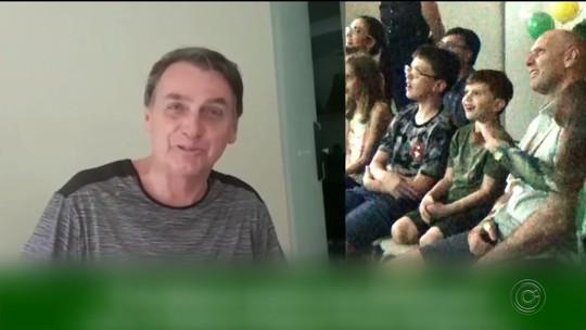 Jair Bolsonaro manda vídeo de parabéns a garoto que fez festa com tema do presidente eleito