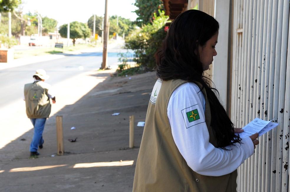 Visita domiciliar de agentes de vigilância em saúde no Distrito Federal  — Foto: Gabriel Jabur/Agência Brasília