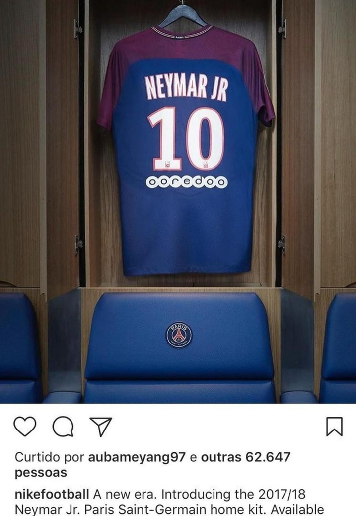 PSG começa a vender camisas de Neymar em Paris na sexta-feira ... 6ea059194497c