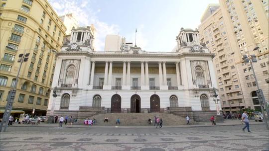 Servidor fantasma da Câmara de Vereadores entra com ação na Justiça