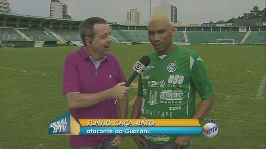 CR7 na camisa e assédio: Caça-Rato ganha recepção de ídolo no Guarani