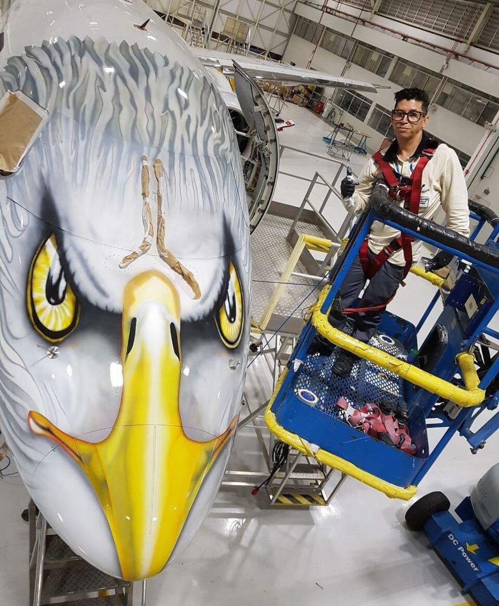 A primeira aeronave que personalizou foi a águia (Foto: Arquivo Pessoal)
