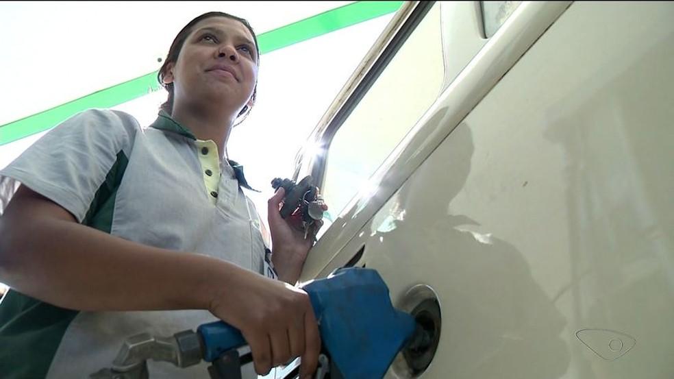 Preço da gasolina sobe no Ceará e custa em média R$ 3,90, diz agência (Foto: Reprodução/TV Gazeta)