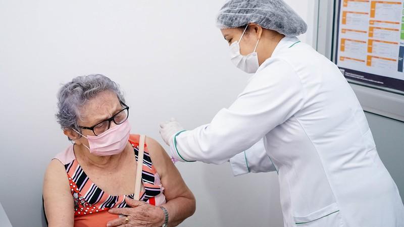 Covid-19: Macapá oferta dose de reforço para idosos e profissionais de saúde e segue a repescagem