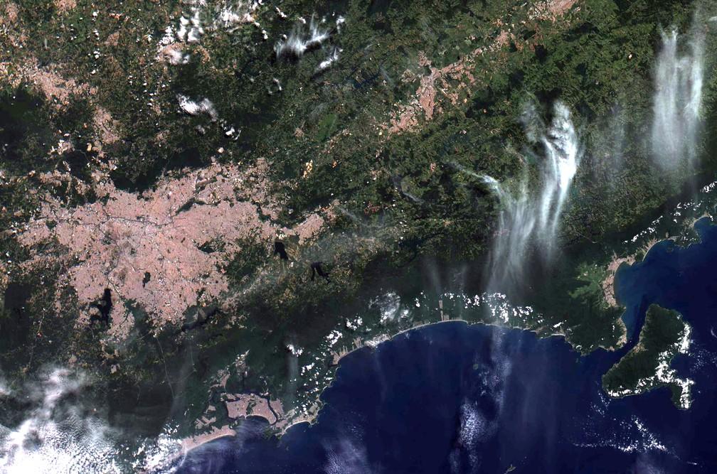 Região metropolitana de São Paulo, baixada santista e litoral norte paulista em foto do Amazônia 1 — Foto: Divulgação/ Inpe