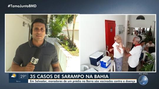 Moradores de um prédio da Barra são vacinados contra o sarampo nesta quinta-feira