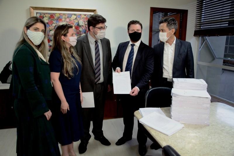 Alesc recebe mais um pedido de impeachment do governador e da vice