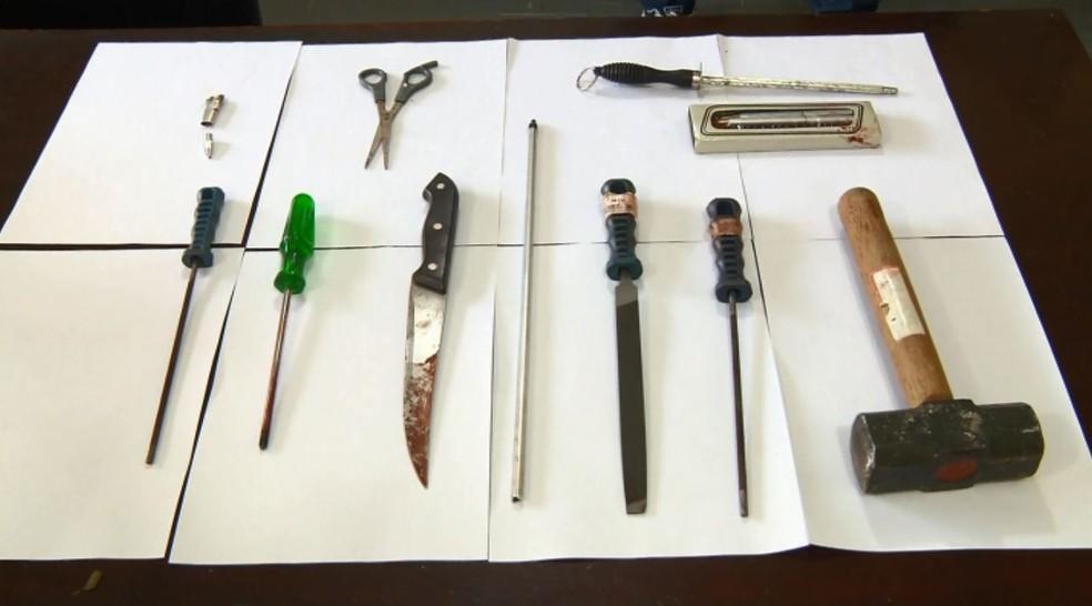 Rapaz usou diversas ferramentas durante a tentativa de realizar o procedimento (Foto: Reprodução EPTV)