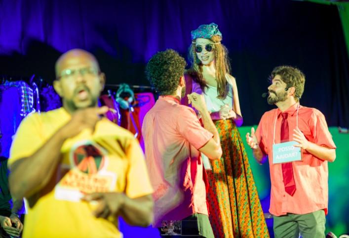 No Dia Nacional do Teatro Acessível, grupo do Rio criado por Tatá Werneck encena espetáculo virtual com recursos de libras e audiodescrição