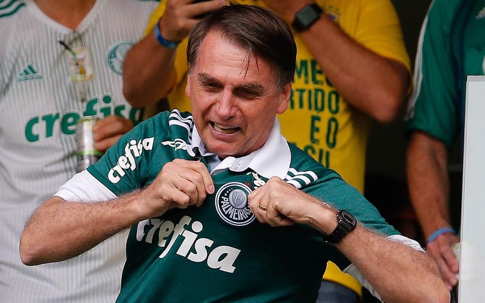 O presidente eleito, Jair Bolsonaro, vai à Arena Palmeiras — Foto: Marcelo Machado de Melo/Fotoarena/Estadão Conteúdo