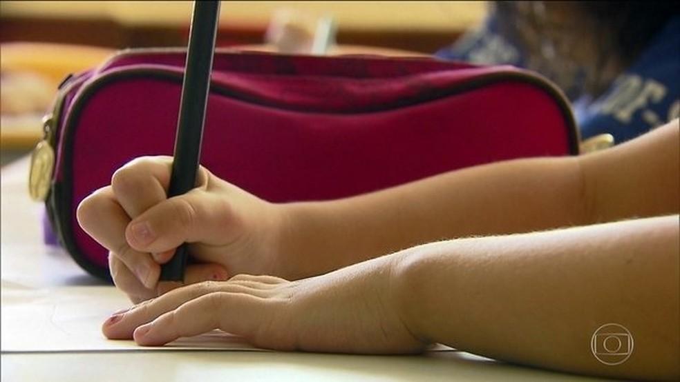 Educação Básica está na prioridade do governo  — Foto: Reprodução/JN