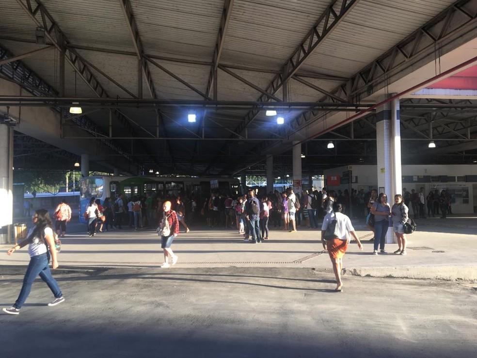 Terminal de São Torquato, em Vila Velha, nesta terça-feira (13) — Foto: Fabíola de Paula/ TV Gazeta