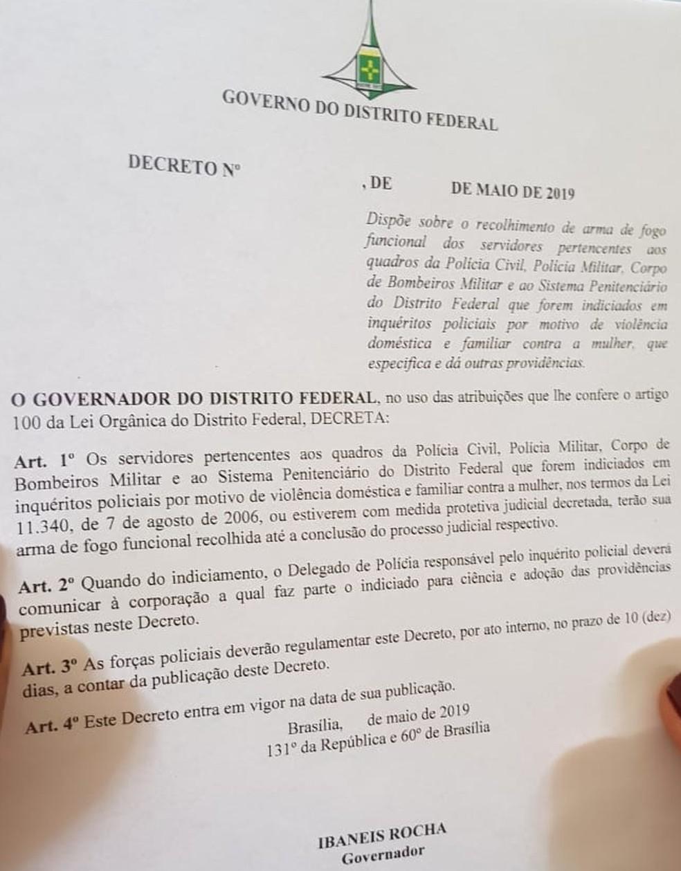 Deecreto determina recolhimento de armas de fogo de servidores, militares e civis, indiciados pela Lei Maria da Penha — Foto: Arquivo pessoal