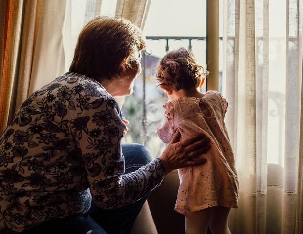 Como lidar com os avós corujas? (Foto: Pexels)