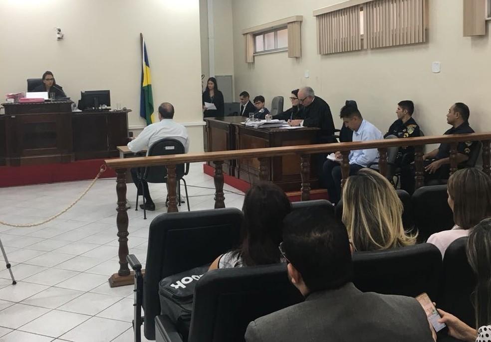 Júri ocorreu na Comarca de Porto Velho.  — Foto: Larissa Vieira/Rede Amazônica
