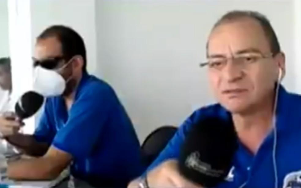 Narrador e comentarista que chamaram cabelo black power de jogador de 'pesado' e 'imundo' são indiciados por injúria racial, em Goiânia, Goiás — Foto: Reprodução/TV Anhanguera