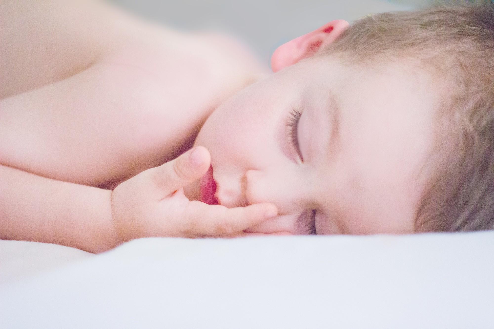 O máximo que pode acontecer é o bebê chorar (Foto: Pexels/ Studio 7042)