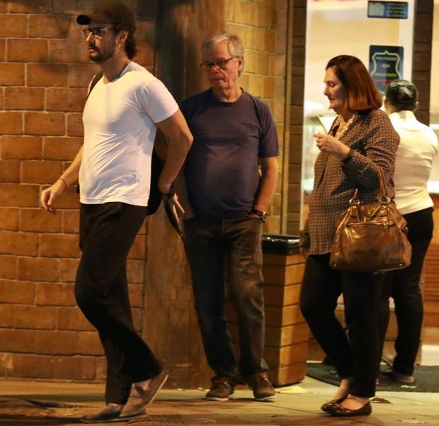 Rodrigo Santoro com os pais (Foto: Thiago Martins/AgNews)