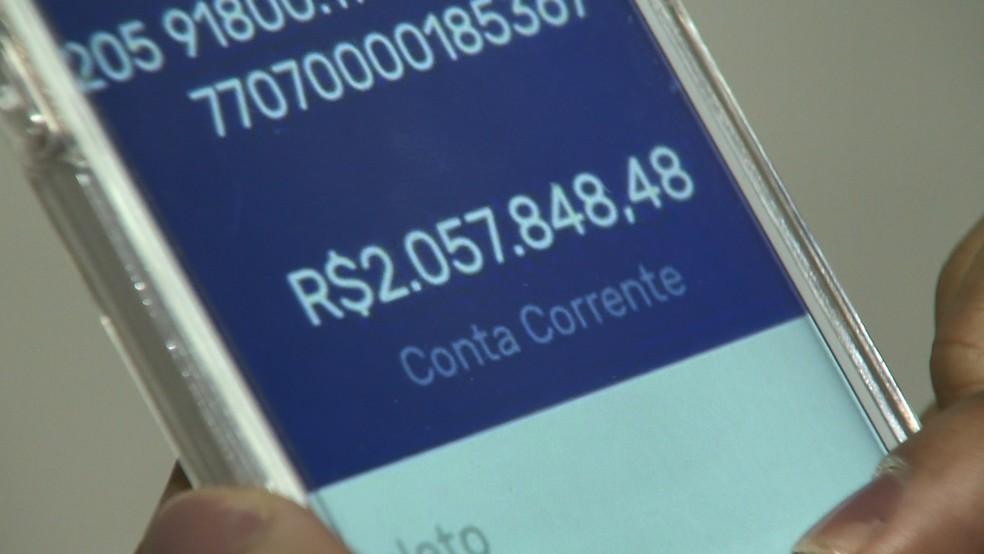 Dinheiro depositado errado em conta no Espírito Santo — Foto: Manoel Neto/ TV Gazeta