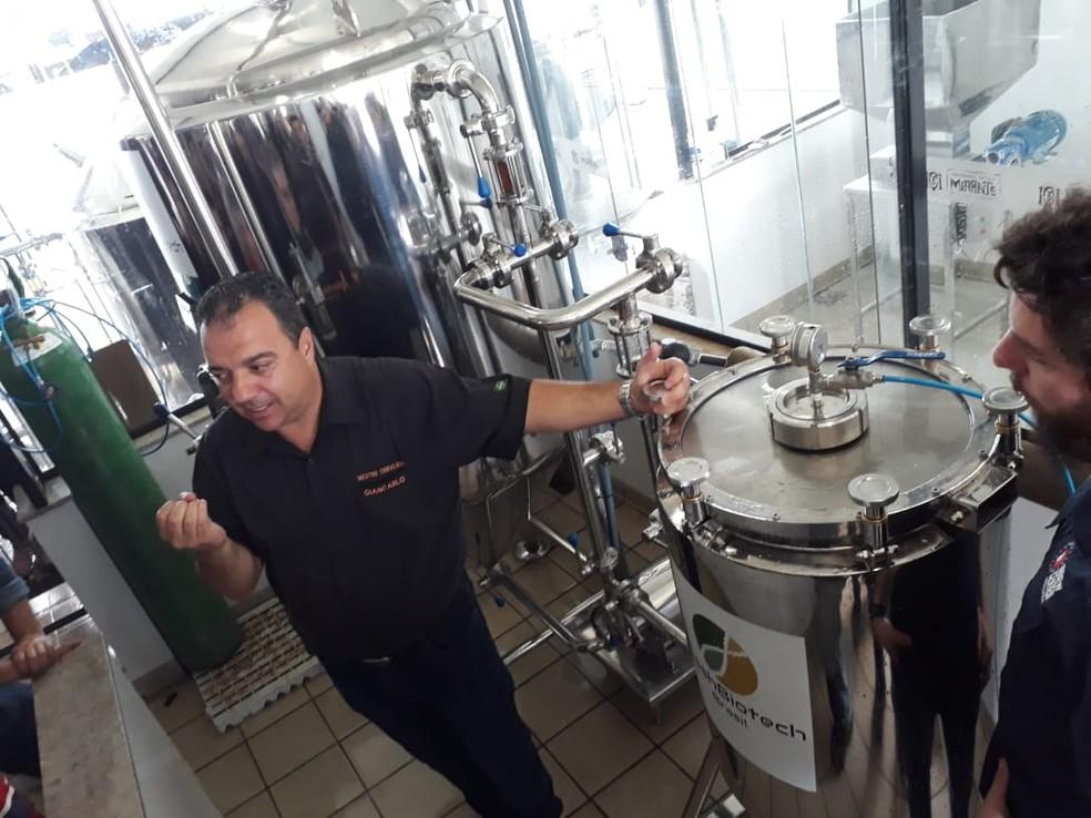 Mestre cervejeiro apresenta nova tecnologia para produção de cerveja em Juiz de Fora — Foto: Cervejaria Escola Mirante/Divulgação