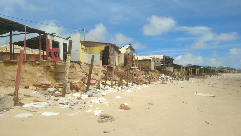 Mais barracas ficam destruídas na Praia Pedra do Sal — Foto: José Neto/Plantão Parnaíba 24 horas