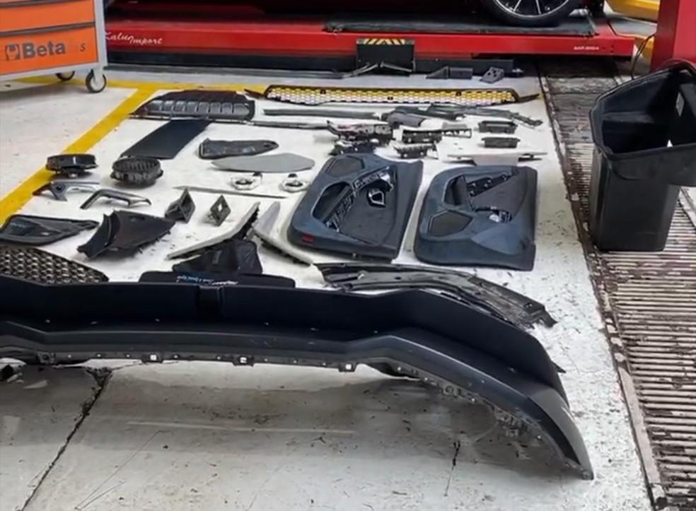 Processo de desmontagem da Lamborhini do Mutant Supercars começou — Foto: Reprodução