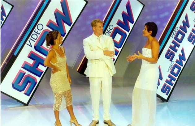 Com Cissa Guimarães e Renata Ceribelli na apresentação do 'Video show'. Ele comandou o programa de 1987 a 2001 (Foto: TV Globo)