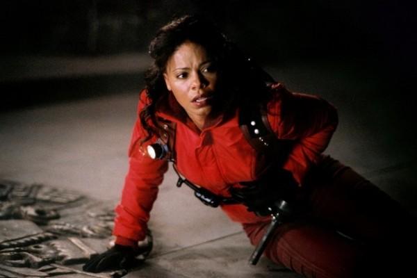 Sanaa Lathan no filme Alien Vs Predador (2004) (Foto: Reprodução)
