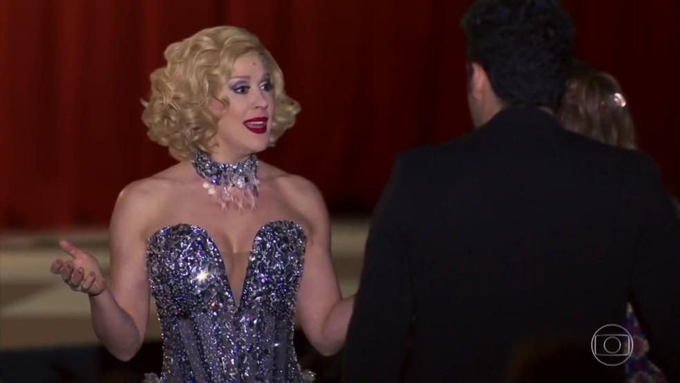 Claudia fica surpresa ao descobrir o nome de Tancinha (Mariana Ximenes) - 'Haja Coração' — Foto: Globo