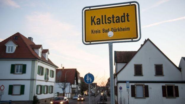 O povoado de Kallstadt, na Alemanha, tinha menos de mil habitantes quando o avô de Trump o deixou (Foto: GETTY IMAGES via BBC)