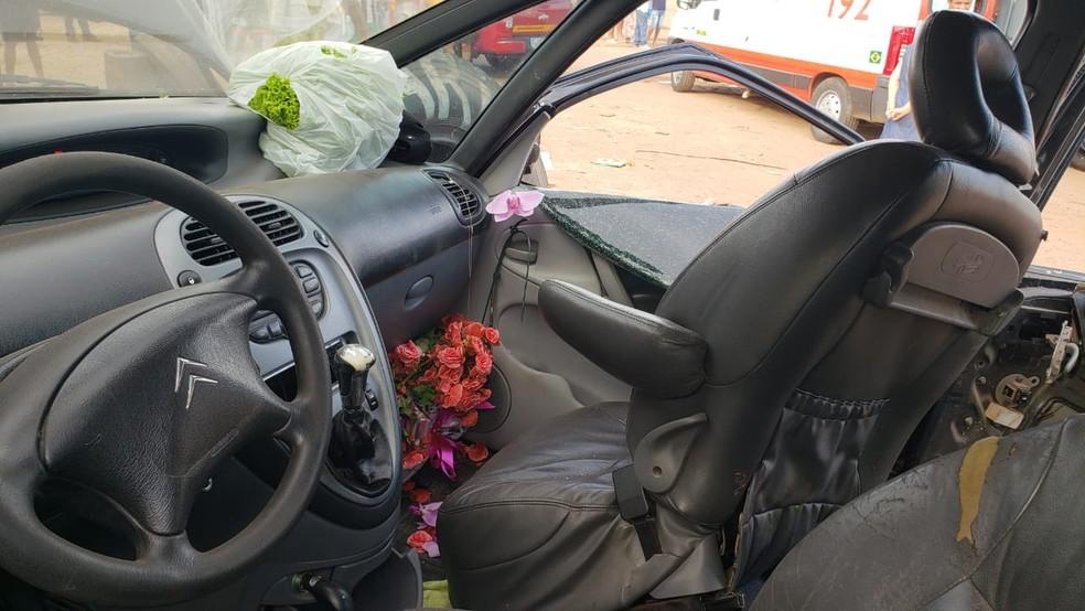 Bebê foi arremessada de veículo em acidente na BR-381, no distrito de Ravena, em Sabará.  — Foto: Iana Coimbra/TV Globo