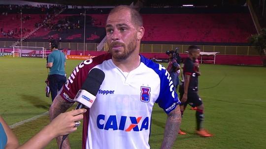 Silvinho diz que Paraná pecou nas finalizações contra o Vitória em Salvador