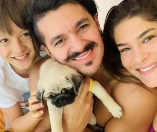 Priscilla Fantin com o filho, Romeo, e o marido, Bruno Lopes | Reprodução