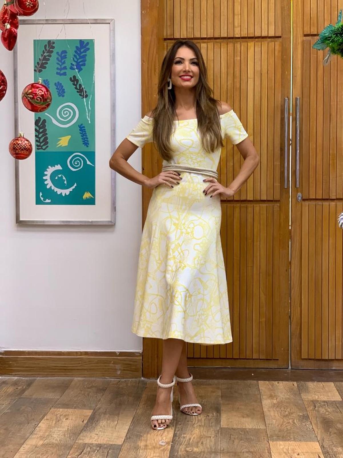 5a851a1446 Patrícia Poeta usa look solar e investe no vestido midi