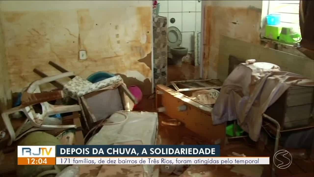Famílias atingidas pela chuva em Três Rios estão recebendo ajuda