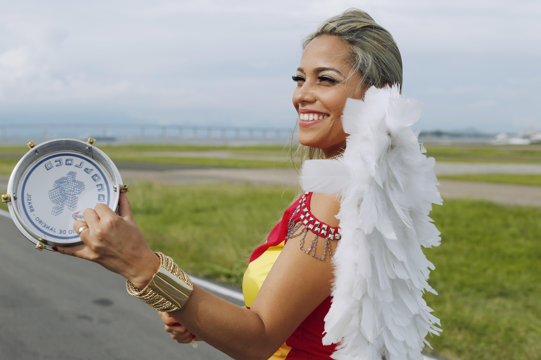 Musa do Monobloco faz parceria com a mãe para se destacar no carnaval