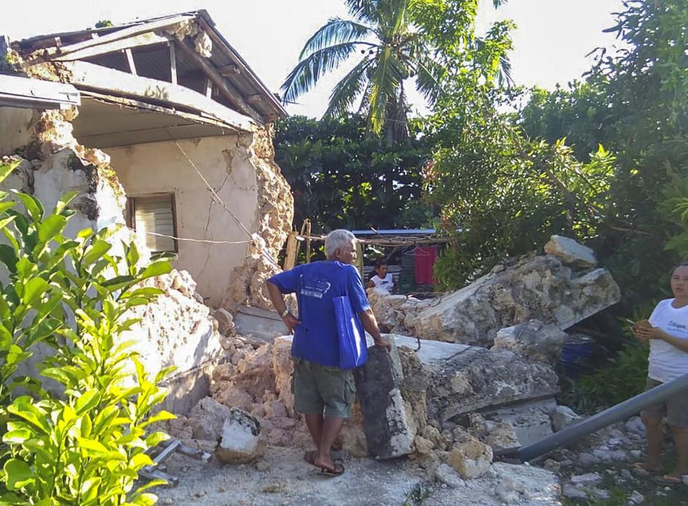 Dois terremotos atingiram o norte das Filipinas neste sábado (27) — Foto: Agnes Salengua Nico/AP