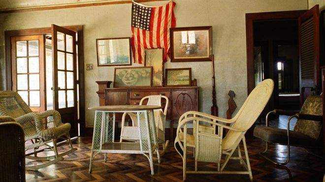 Algumas casas continuam de pé, e algumas são habitadas por pessoas que nasceram na época de Ford (Foto: Getty Images/BBC)