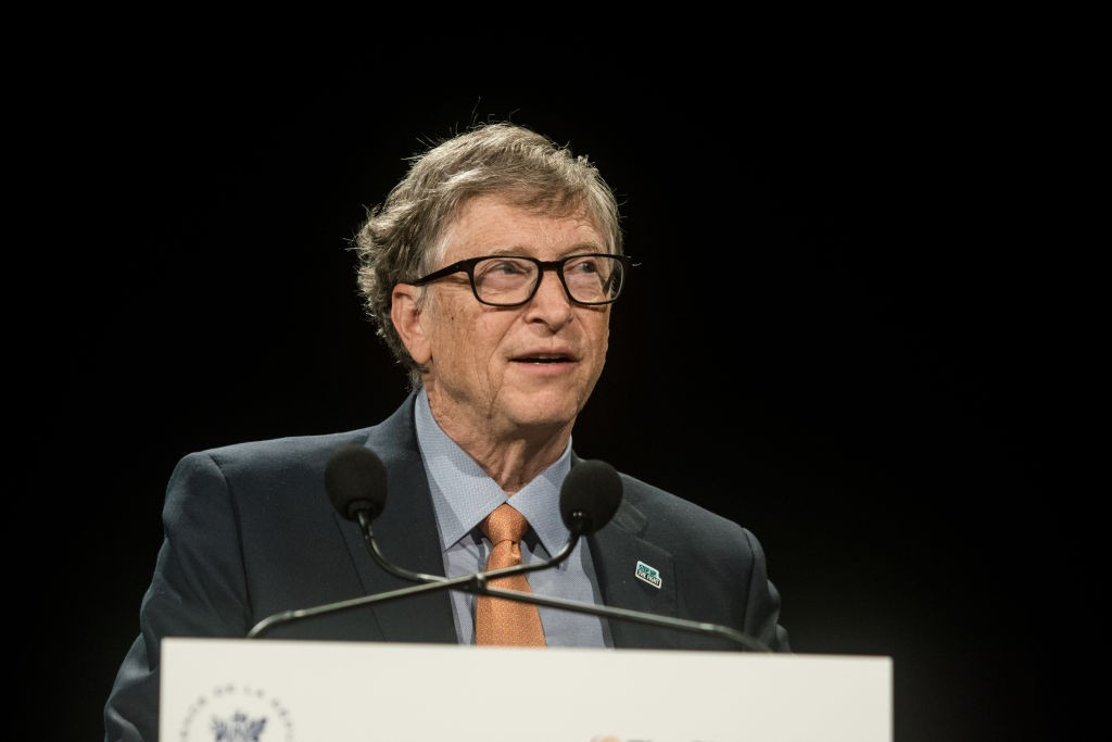Bill Gates delivers a speech at the fundraising day at the Sixth World Fund Conference in Lyon, France, on October 10, 2019. (Photo by Nicolas Liponne/NurPhoto via Getty Images) (Foto: NurPhoto via Getty Images)
