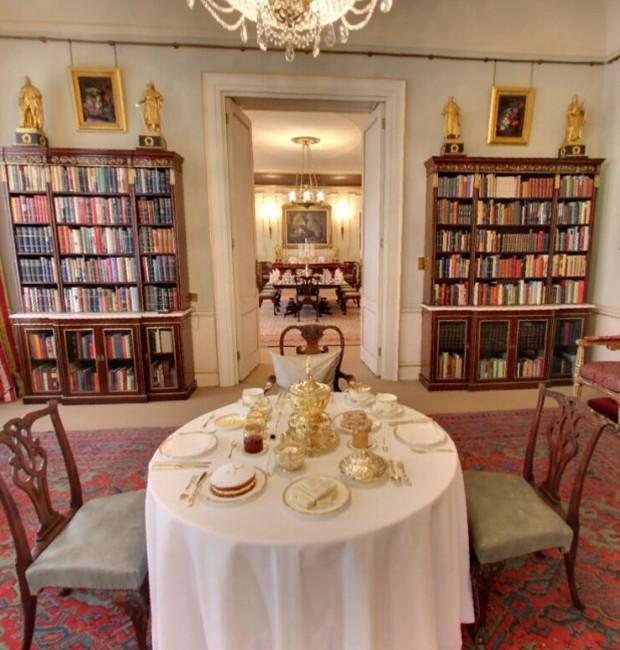 Interior da casa do Príncipe Charles: biblioteca (Foto: Google Arts&Culture/ Reprodução)