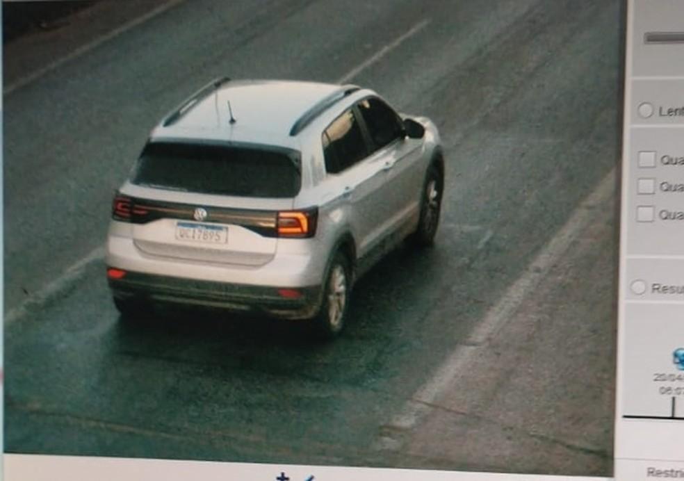 Carro foi localizado em Várzea Grande — Foto: Reprodução