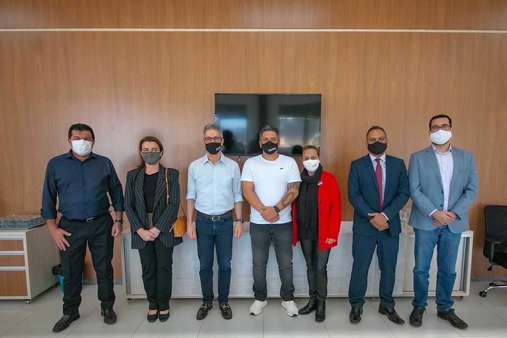 Romeu Zema se reúne com prefeito de Araxá para tratar sobre infraestrutura e falta da vacina contra a Covid-19