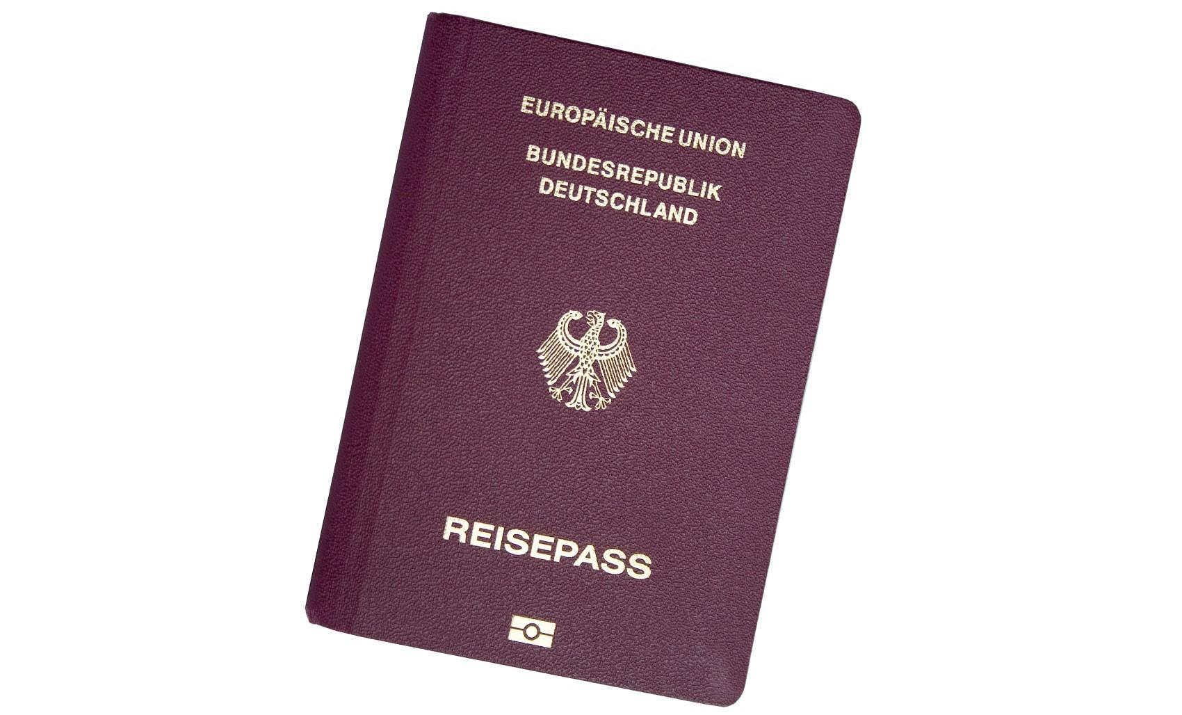 Passaporte da Alemanha é considerado o mais poderoso do mundo pelo 5º ano; brasileiro está no 18º lugar